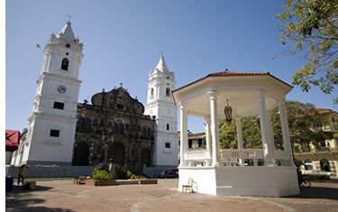 Casco Antiguo Plaza and Cathedral in the Summer
